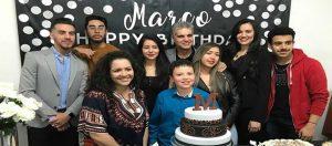 Pastor Marco Pacheco da Igreja Presbiteriana Renovada recebeu festa surpresa