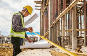Aviso aos empreiteiros da construção civil